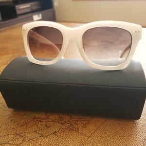 BANANA REPUBLIC Sunglasses cream